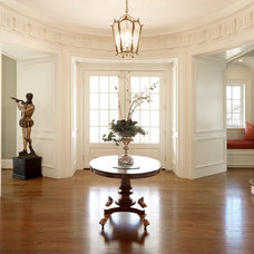 Traditional Entry by Moloney-Smith & Associates