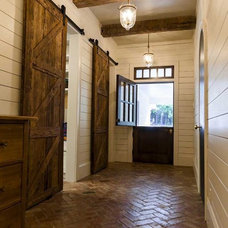 Farmhouse Entry by Cotton Construction Inc