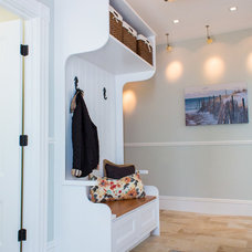 Beach Style Entry by North Fork Design Co.