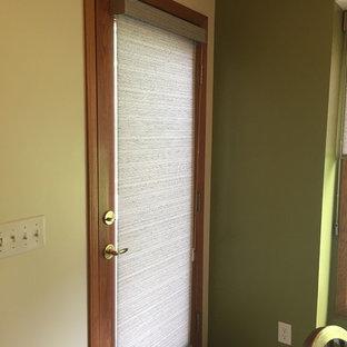 Inspiration för klassiska entréer, med en vit dörr