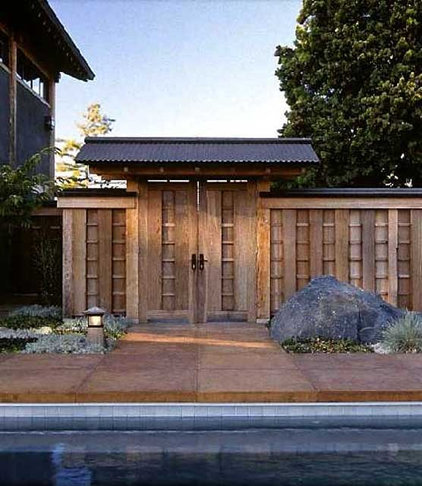 Modern Entry by Ron Herman Landscape Architect