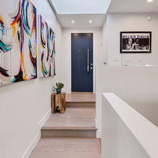 Contemporary Entry by HLS Remodeling and Design Inc.