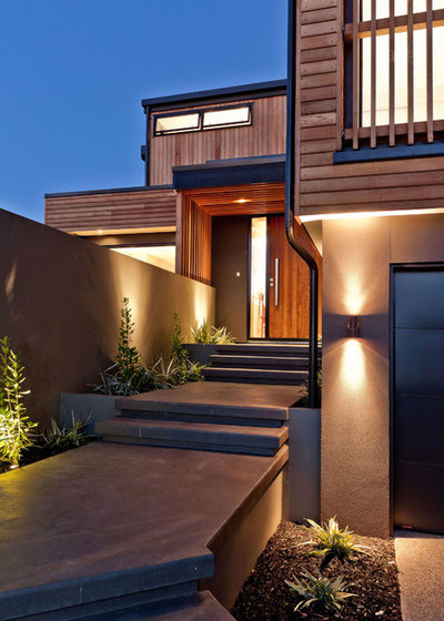 Contemporary Entry by Creative Arch