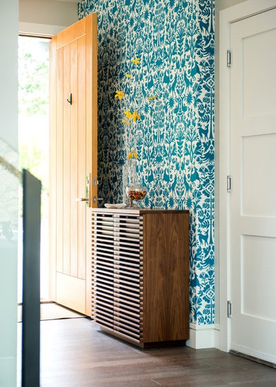 Contemporary Entry by Bidgood & Co Interiors