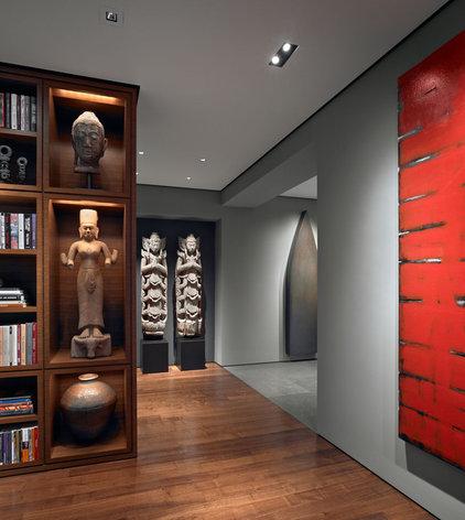 Asian Entry by Zack|de Vito Architecture + Construction