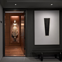 modern entry by Zack|de Vito Architecture + Construction