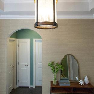 Inspiration för en stor rustik foajé, med metallisk väggfärg, mörkt trägolv, en enkeldörr, en vit dörr och brunt golv