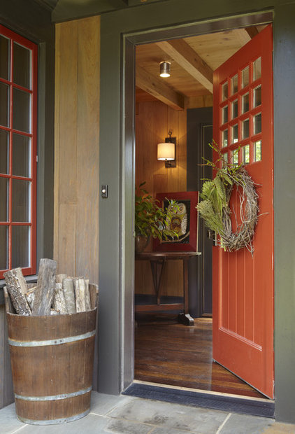 Rustic Entry by Dungan Nequette Architects
