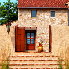 Rustic Entry by Culligan Abraham Architecture