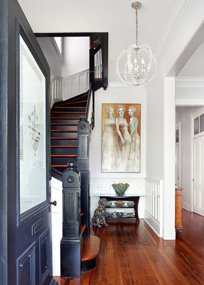 Transitional Entry by Renaissance South Construction Co.