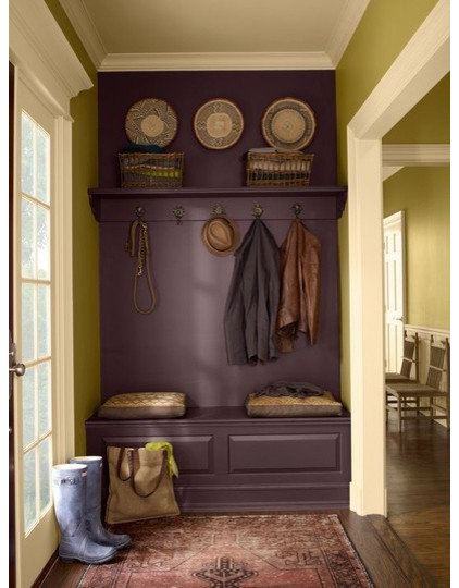 Traditional Entry safari-colored entryway