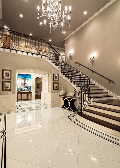 Jennifer Bevan Interiors: 8 Elegant Ideas For A Stairway Wall