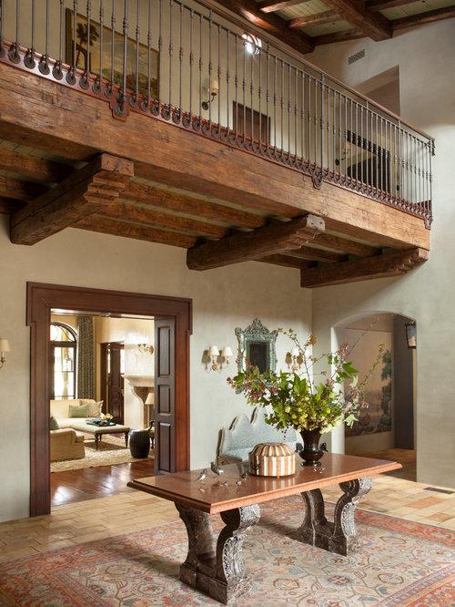 hall d 39 entr e avec un sol en brique photos et id es d co de halls d 39 entr e de maison ou d. Black Bedroom Furniture Sets. Home Design Ideas