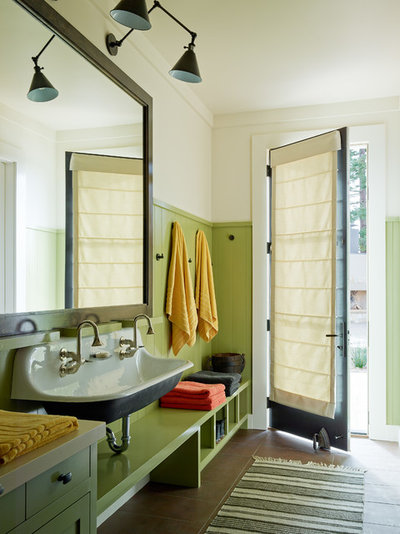 Transitional Entry by Jennifer Robin Interiors