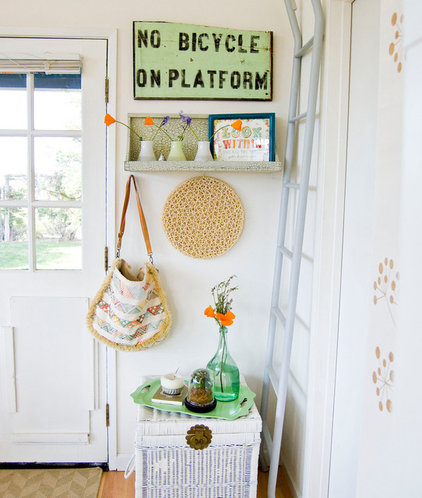 Farmhouse Entry by Going Home To Roost
