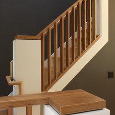 Modern Entry by Sargent Designworks/Architecture + Interiors, LLC