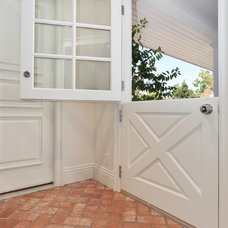 traditional entry by Savvy Interiors