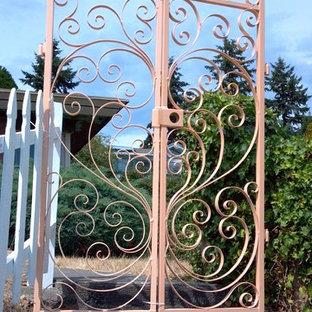scroll gate