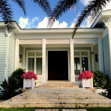 Tropical Entry by tuthill architecture