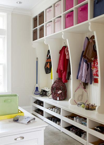 rangement chaussures famille nombreuse. Black Bedroom Furniture Sets. Home Design Ideas