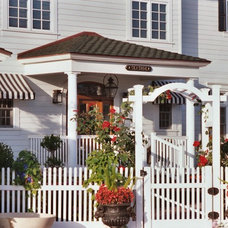 traditional entry by Flagg Coastal Homes