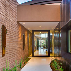 Contemporary Entry by Robinette Architects, Inc.