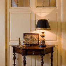 Traditional Entry by Elizabeth Brosnan Hourihan Interiors
