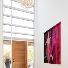 Contemporary Entry by Jason Hartog Photography
