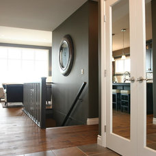 Contemporary Entry by Westridge Homes