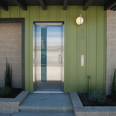 Midcentury Entry by Jeannette Architects