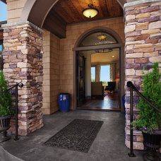 Traditional Entry by RW Anderson Homes