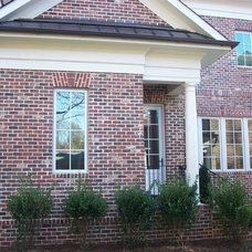 Traditional Entry by Hickman Construction Company, Inc.