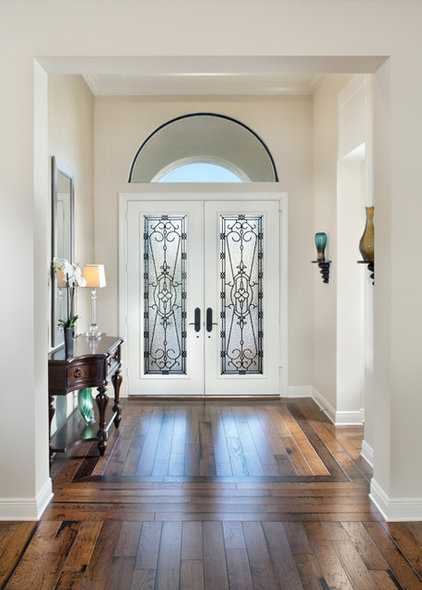 Contemporary Entry by Arthur Rutenberg Homes