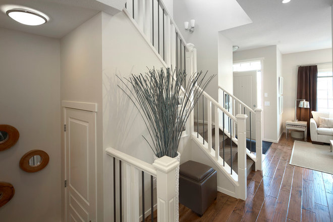 Traditional Entry by Sabal Homes