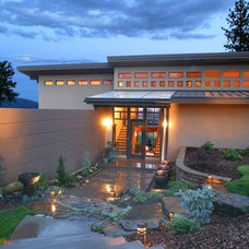 Contemporary Entry by Jon R. Sayler, Architect AIA PS