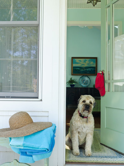 Beach Style Entry by Gridley + Graves Photographers