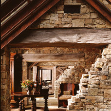 Rustic Entry by JLF & Associates, Inc.