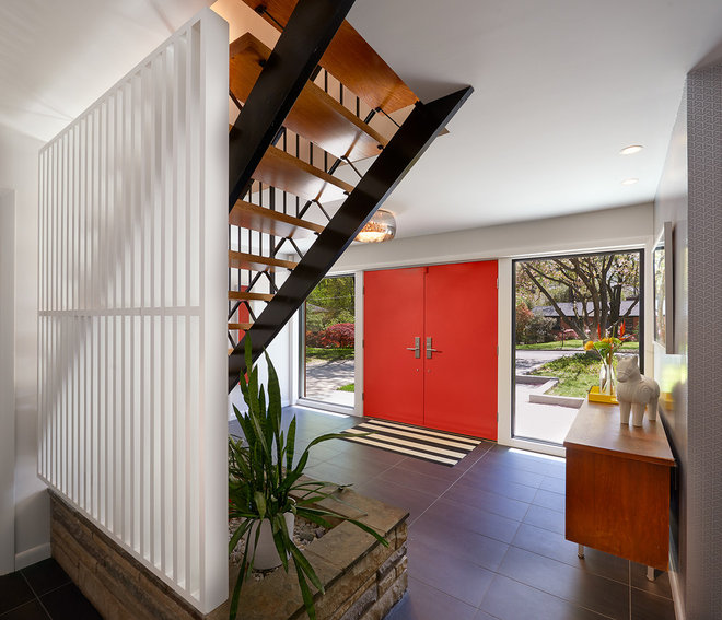 Midcentury Entry by Balodemas Architects