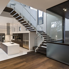 modern entry by C O N T E N T Architecture