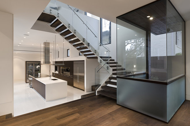 Contemporary Entry by C O N T E N T Architecture