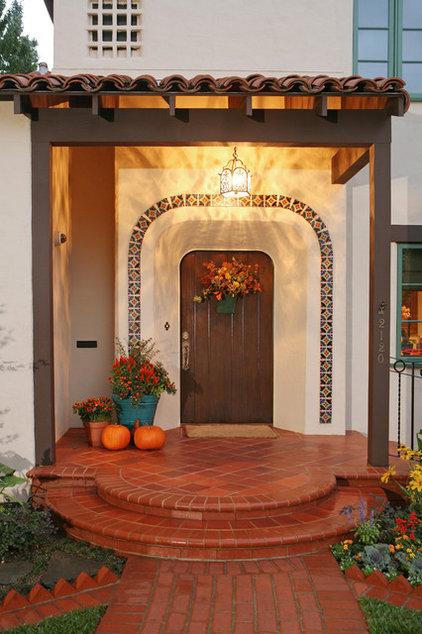 Mediterranean Entry by Cynthia Bennett & Associates
