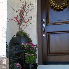 Traditional Entry by FOCAL POINT STYLING