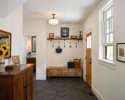 landhausstil eingang mit haust r hauseingang eingangsbereich gestalten. Black Bedroom Furniture Sets. Home Design Ideas