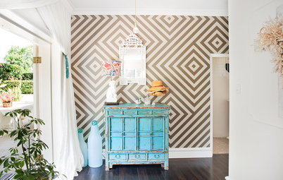 5 Things to Know Before Adding Wallpaper to Your Room
