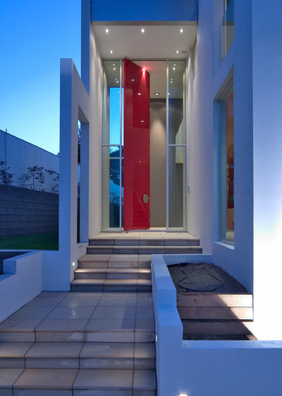 Contemporary Entry by Sang Architects