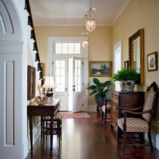 Traditional Entry by Kevin L Harris, Architect LLC
