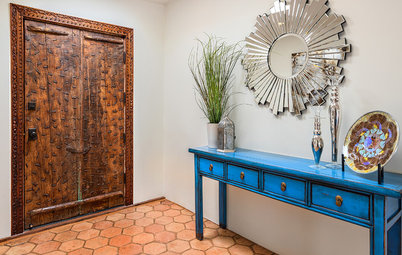 6 Ways to Conjure up an Entryway When There Isn't One