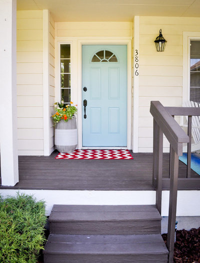 Entry by Liz Conrad Interiors & Staging
