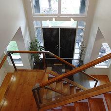 Contemporary Entry by Habitat Studio