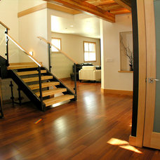 Contemporary Entry by Bear Creek Special Projects (BCprojects.ca)